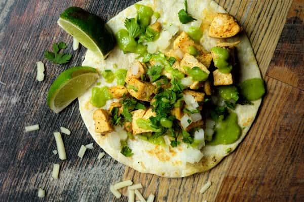 natural chicken taco