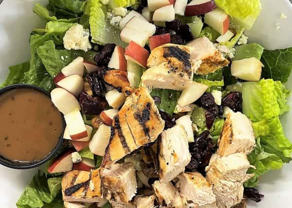 Grilled Chicken Gorgonzola Salad