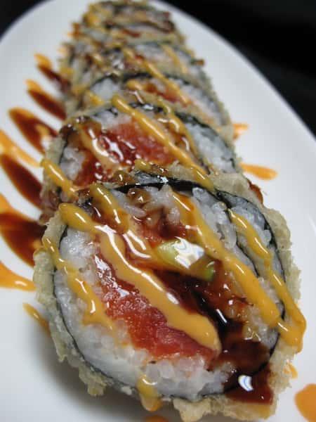 Spicy Tuna Crunchy Roll*