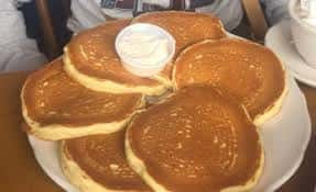 Buttermilk Pancakes (465/930 cal)