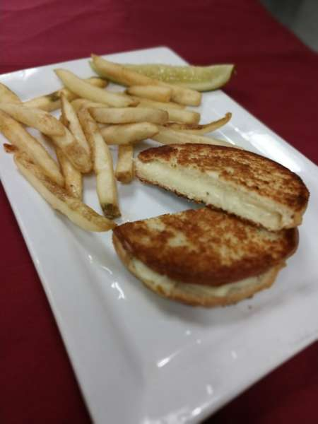 Hamptyn's Grilled Cheese