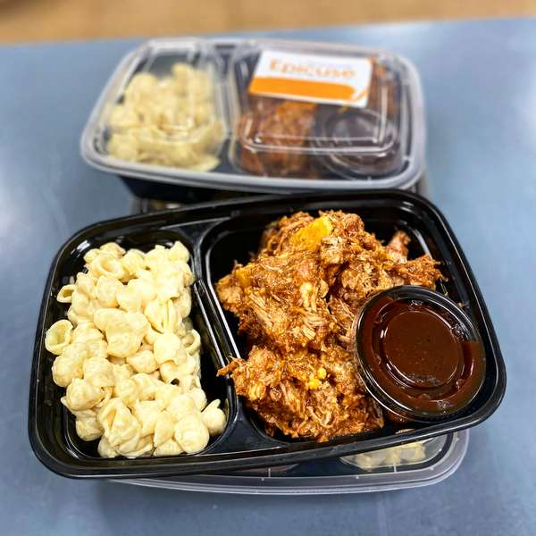 Pulled Pork with Bourbon BBQ Sauce with Grouda Mac & Cheese
