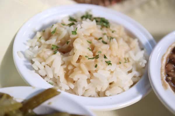 Rice w/ brown gravy