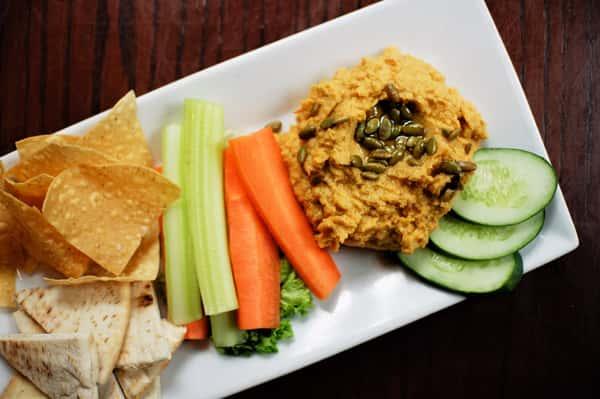 smokey chipolte hummus