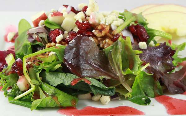 RASPERRY WALNUT SALAD