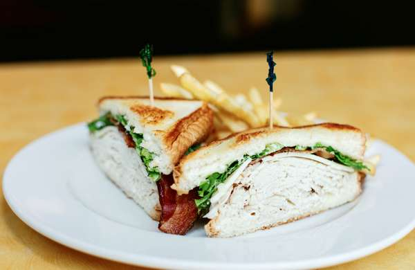 LOU'S SMOKED TURKEY CLUB