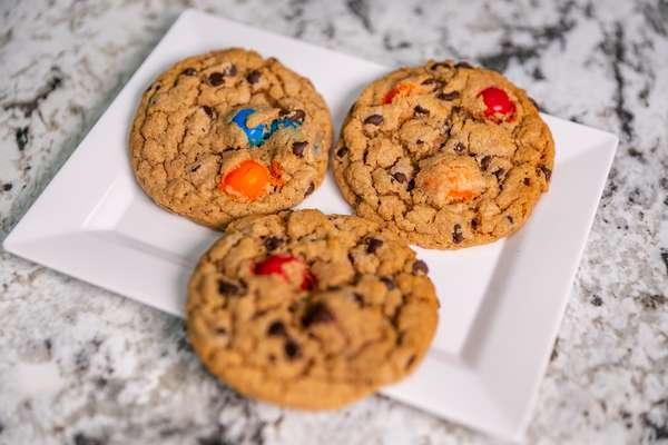Chocolate Peanut M&M Cookie