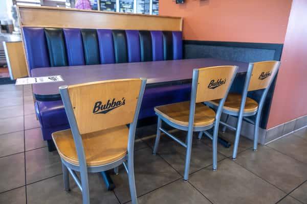 Bubba's Interior