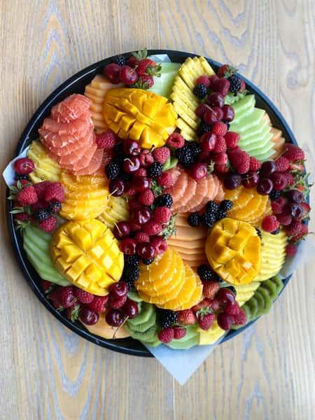 Seasonal fruit platter (Vegan, GF)