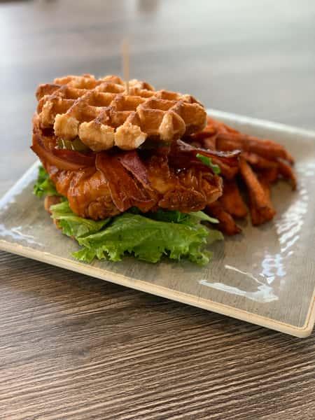 Nashville Hot Chicken n Waffle!