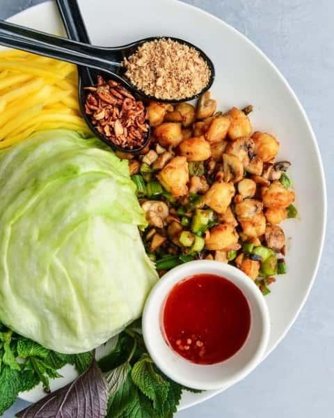 Lettuce Wraps with Shrimp