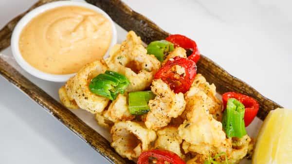 Crispy Calamari & Peppers