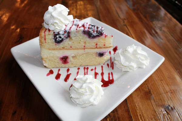 Lemon Berry Mascarpone Cheesecake