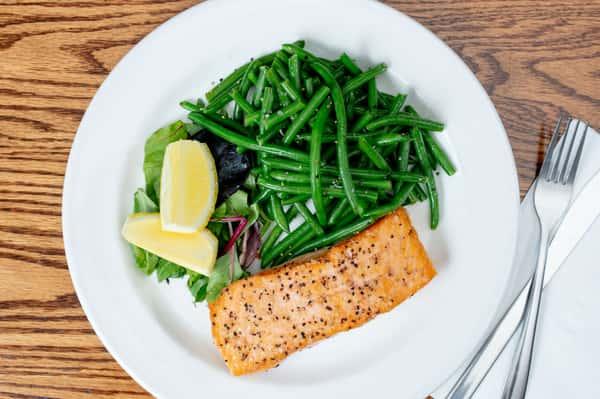 Fresh Seared Salmon Platter