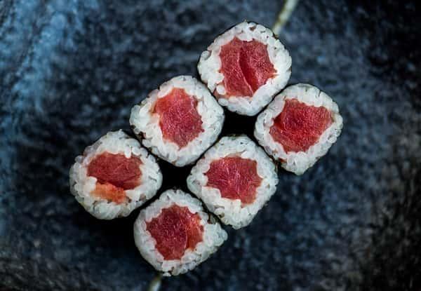 Tuna Roll*
