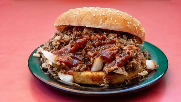 Chopped Beef Sandwich with Chips