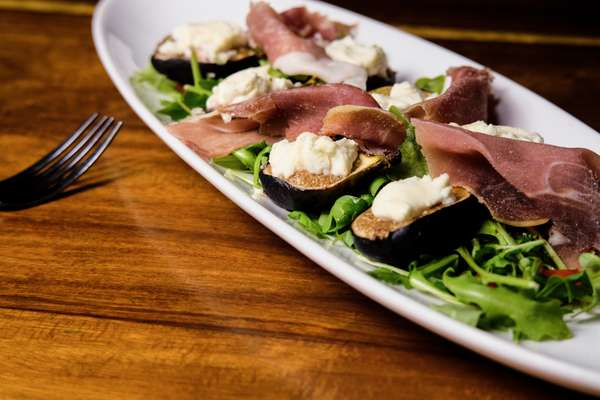 Roasted Figs with Goat Cheese and Prosciutto