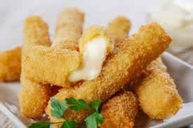 Mozzarella Sticks (6 Pieces)