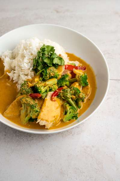 D10V: Vegetarian House Red Curry