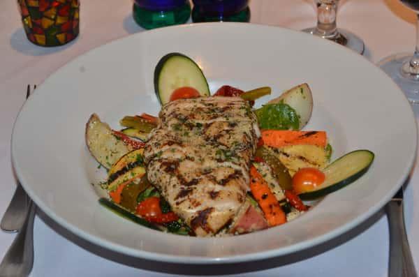 Salade de Legumes Grillés et Poulet
