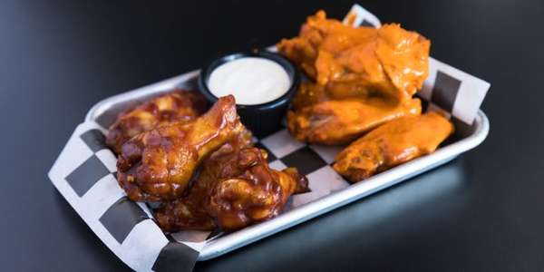 Public House Wings