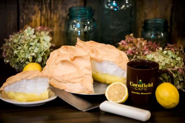 Lemon meringque pie