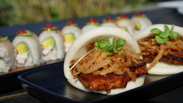 Boa and Sushi