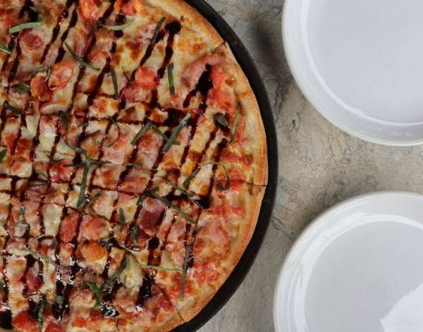Monday Pizza Party: 25% off ALL pizza orders!
