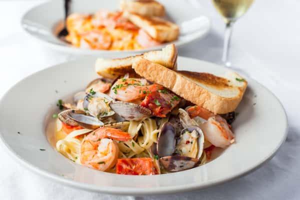 Mixed Seafood Pasta