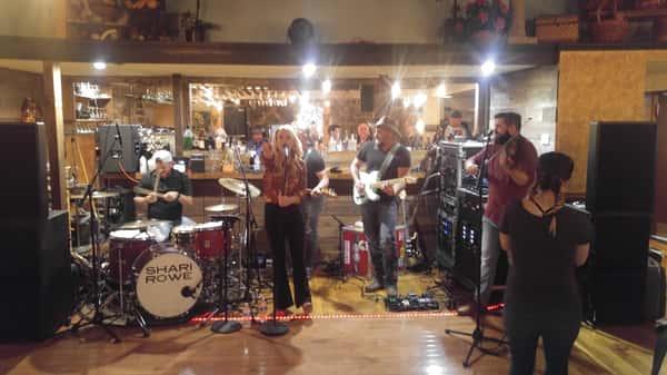 Sherri Rowe country singer event
