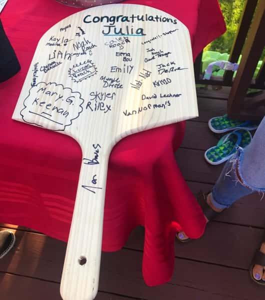 pizza board signatures