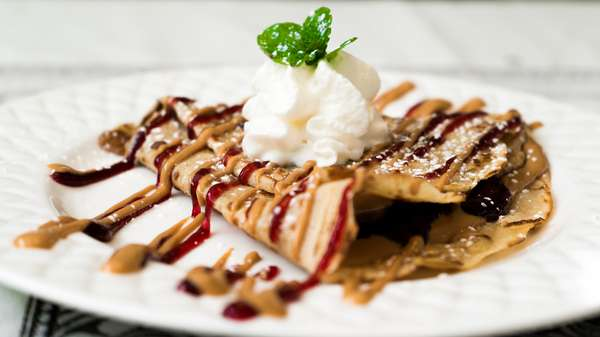 Crepe with whipped cream