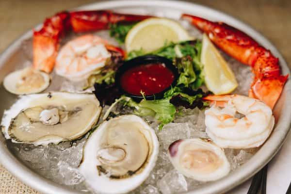 Cold seafood sampler