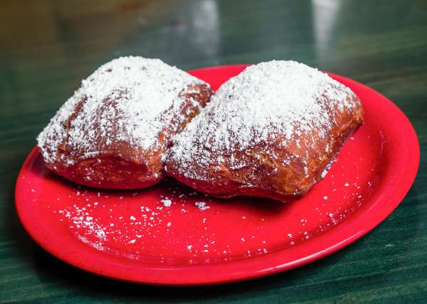 FREE BEIGNETS FOR EVERY BREAFAST GUEST MONDAY -FRIDAY