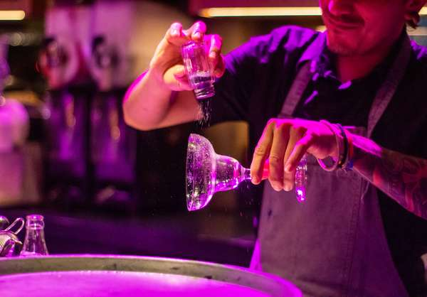 louis-hansel-restaurant-photographer-_6ZqQc02NYc-unsplash