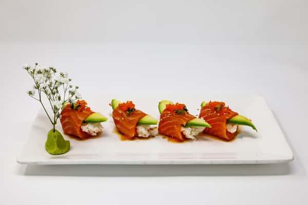 four sushi pieces