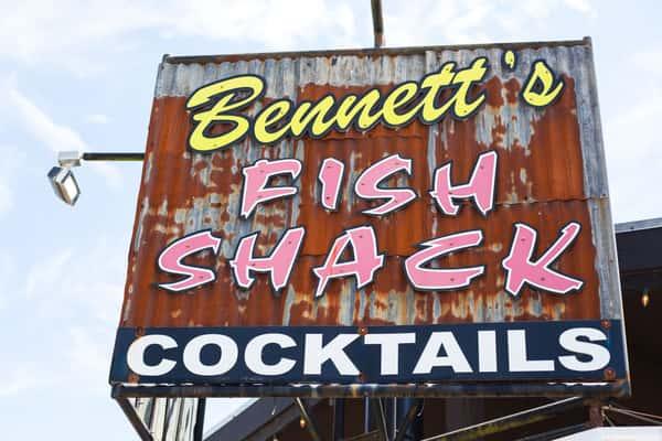 Bennett's sign