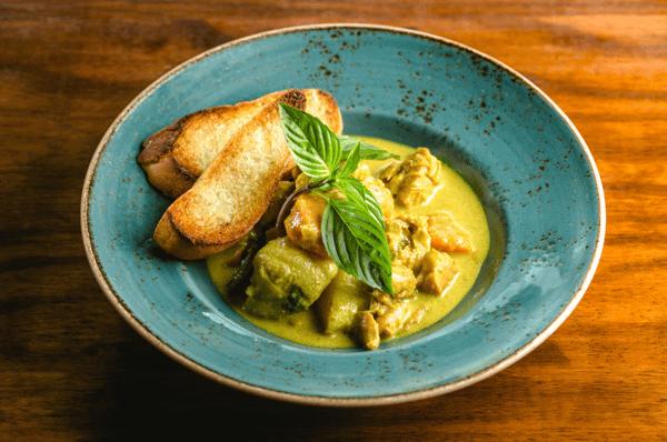 Cà Ri Gà • Vietnamese Curry Chicken