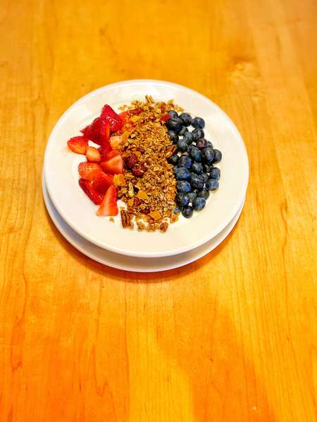 DC's Yogurt & Granola Combo