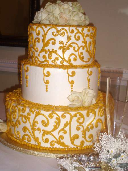 cake with gold frosting