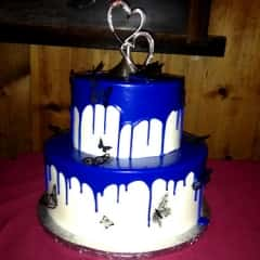 cake with blue drip