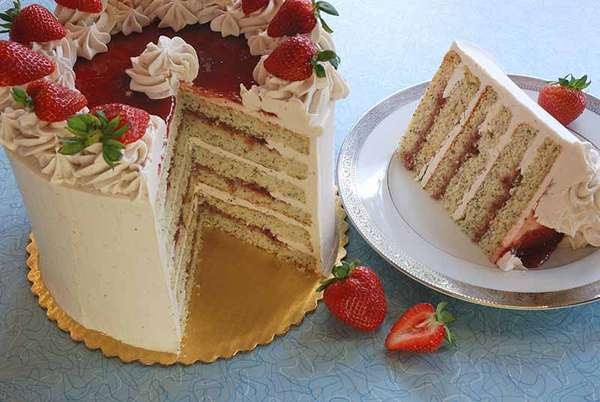 Strawberry Diva Cake