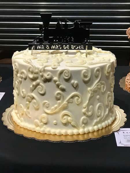 cake with white swirls