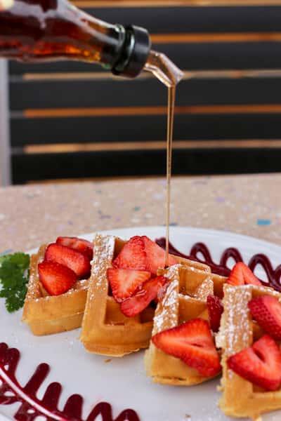 Beglian waffles with strawberries