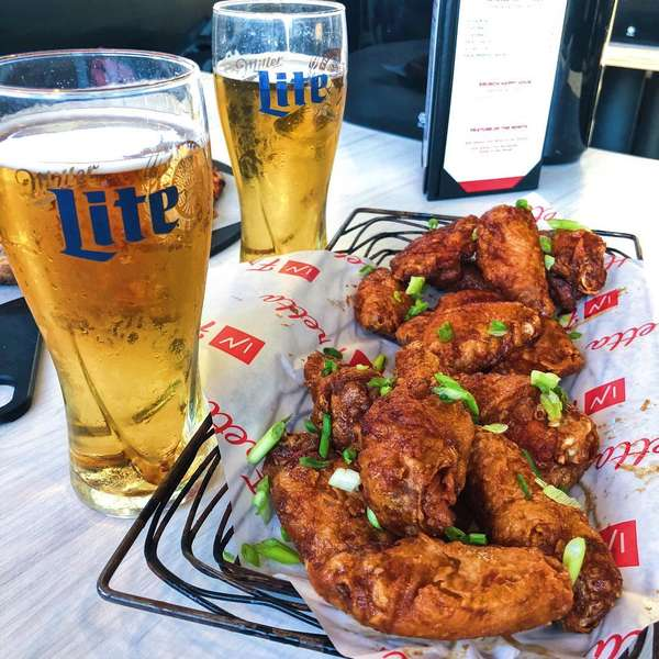 beers and wings