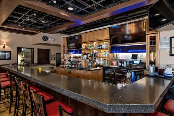 Malone's interior 2 bar