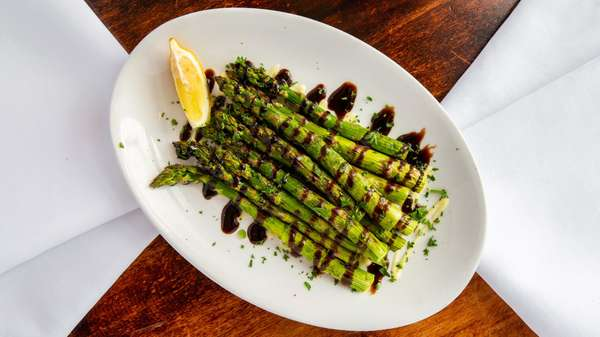 Grilled Asparagus w/Garlic Aioli