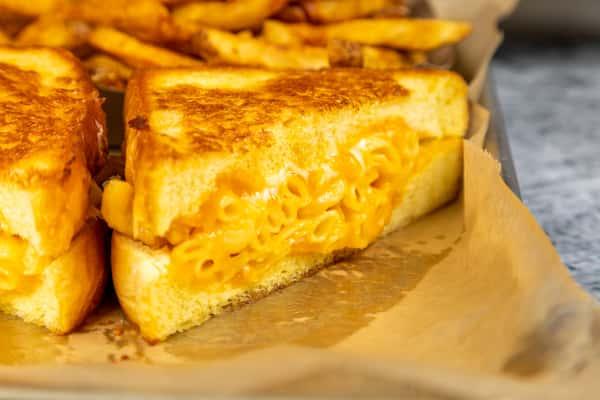 Mac & Cheese Melt
