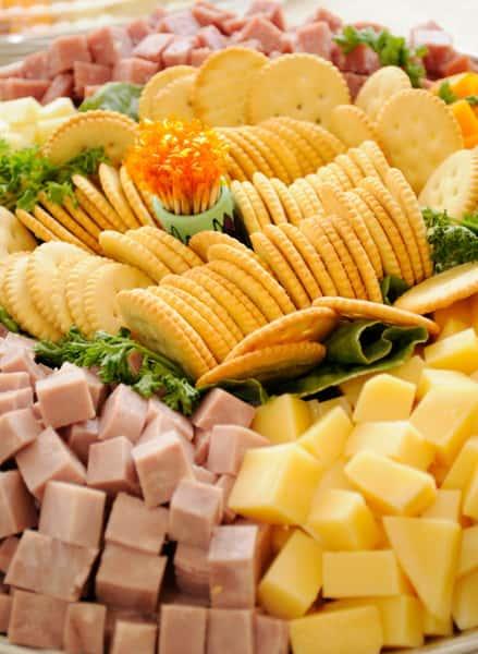 Assorted Cheese & Cracker Platte