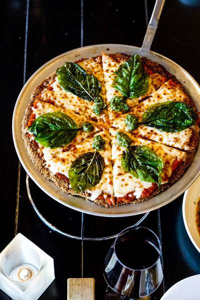 "KEN'S ORGANIC CHICKEN PARMESAN ""PIZZA"""